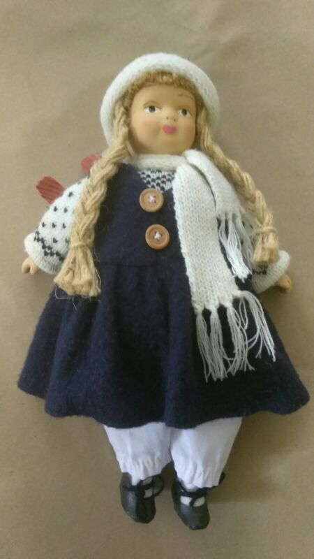 Norwegen Doll, Skiing Decor, Girl Skier, Folk Art Doll, Cabin Decor