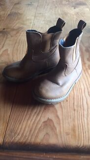 Girls tan winter boots - size 8