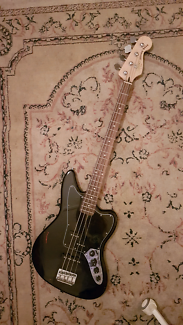 Squier by Fender Jaguar Vintage Modified Short Scale Bass