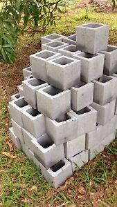 100 concrete blocks Valla Nambucca Area Preview
