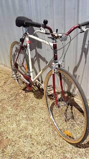 Vintage Bennett Old School Flatbar Road Bike