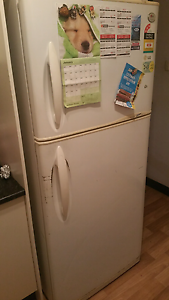 Fridge lg gr t542g $50/ washing machine bosch clasixx $400 Macquarie Park Ryde Area Preview