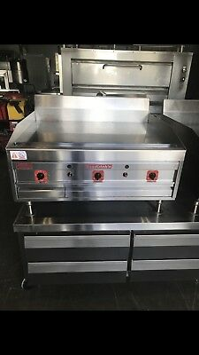 Magickitchn 36 Flat Griddle Chrome Top Gas