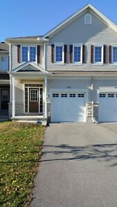$2000 all inc. - 3BR Townhouse in Kanata For Rent in Jan!!