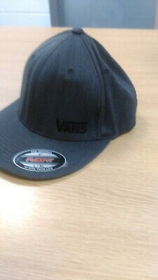 VANS FLAT PEAK SPLITZ FLEX FIT BASEBALL CAP / HAT / SIZE S/M - BNWT