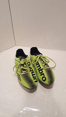 Umbro Arturo Neon Green Black Soccer Cleats Boys Size 4 YOUTH
