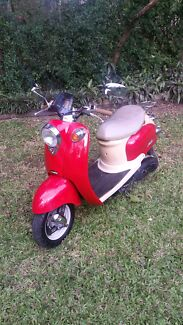 Red Vmoto Scooter Chelmer Brisbane South West Preview