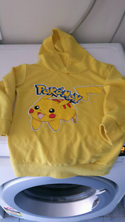 New yellow pokemon jumper with hood Didnt fit my son Size 5/6