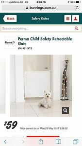 Perma child safety retractable gate Tallebudgera Gold Coast South Preview