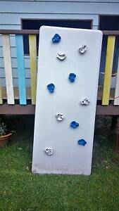 Children's climbing wall Point Clare Gosford Area Preview