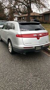 2010 Lincoln MKT SUV with safety low kilometers Clean title