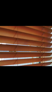 4x timber Venetian blinds
