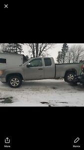 08 chev 1500 (needs a few things