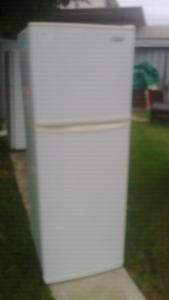 Frost free fridge freezer Westinghouse Woonona Wollongong Area Preview