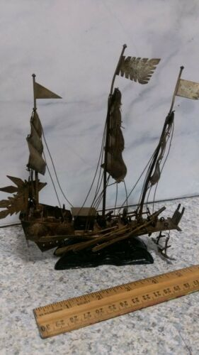 ANTIQUE CHINESE MINIATURE METAL BOAT BATTLESHIP VERY DETAILED SAIL AND OAR