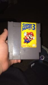 Super Mario bros 3 crack in side with case