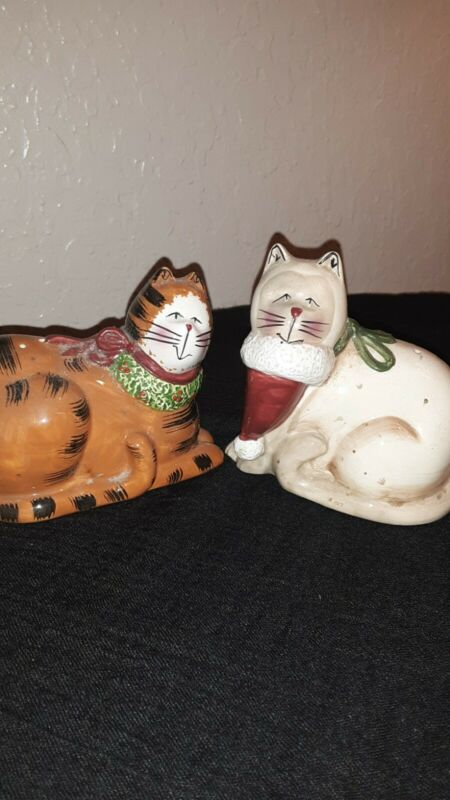 Christmas Cats Salt and Pepper Shakers Vintage Ceramic Orange and White