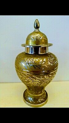 Vases Potiche Oriental in Metal Gold Colour and Colour Silver