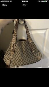 Authentic gently used Gucci pelham purse