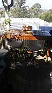 Outdoor bar/dining table and stools Dungog Dungog Area Preview