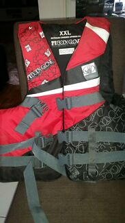 Life jacket  Boronia Heights Logan Area Preview