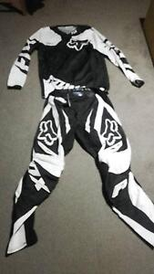 Fox gear very good condition Cloverdale Belmont Area Preview