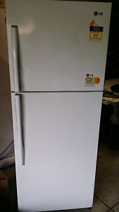 Great size LG fridge. 422L. Delivery available Mulgrave Monash Area Preview