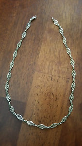 Ladies 9ct yellow gold necklace Leumeah Campbelltown Area Preview