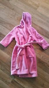Size 3 winter dressing gown Southern River Gosnells Area Preview