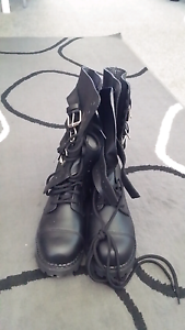 Womens boots Cowra Cowra Area Preview