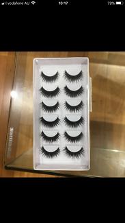 Dramatic false lashes