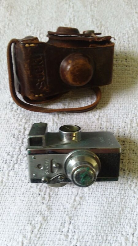 """Steky subminiature 16mm """"Spy"""" Camera Vintage Model III with original case"""