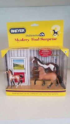 Breyer Stablemates Mystery Foal Surprise 2 Horses & 1 Foal #5938