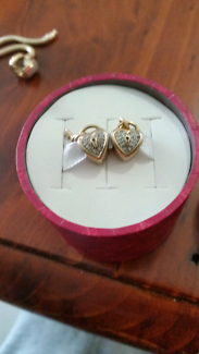 Emma and roe 10k 1/4carat diamond padlock RRP $699EA