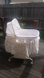 Love N Care Bassinet - Garden Bear