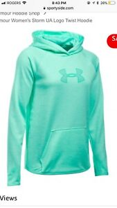 Under Armour ladies XL(fits large) EUC sweater