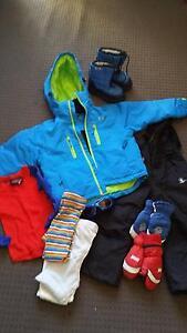 Kids ski clothes bundle Westbourne Park Mitcham Area Preview