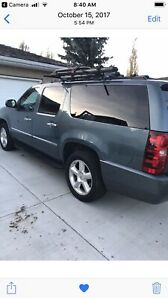 2010 one owner LTZ SUBURBAN completely loaded seats 11