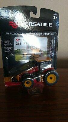 1/64 farm toys Versatile 365 tractor ()