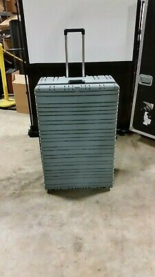 Parker Plastics Shipping Case Rugged Hard Plastic Hinged Lid Wheels 38x2515