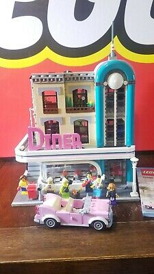 LEGO Creator Expert Downtown Diner (10260) - Complete w/ Manual & Figures