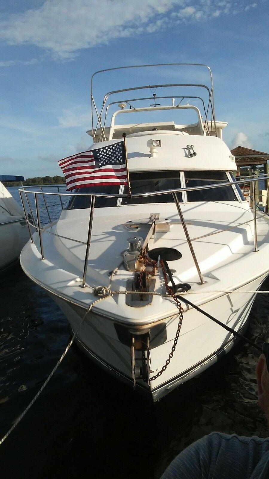 Carver 50 ft cockpit motor yacht
