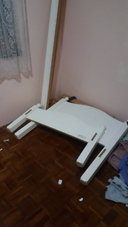 Single bed with mattress..  Delivery $40