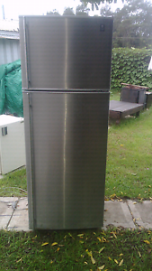 GE frost free fridge freezer 463mm Woonona Wollongong Area Preview