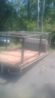 Concreter truck tray