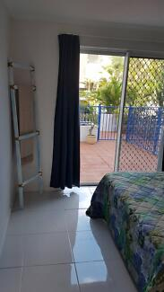 IN THE MIDLE OF SURFERS PARADISE AND BROAD BEACH unit for rent