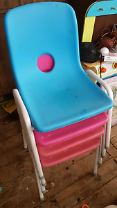 4 childrens plastic chairs stackable Abernethy Cessnock Area Preview