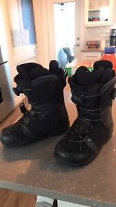 Men's Snowboarding Boots (size 9)