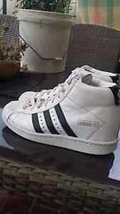Adidas Womens size Us7 uk5 Bligh Park Hawkesbury Area Preview