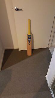 Indoor cricket bat Mango Hill Pine Rivers Area Preview